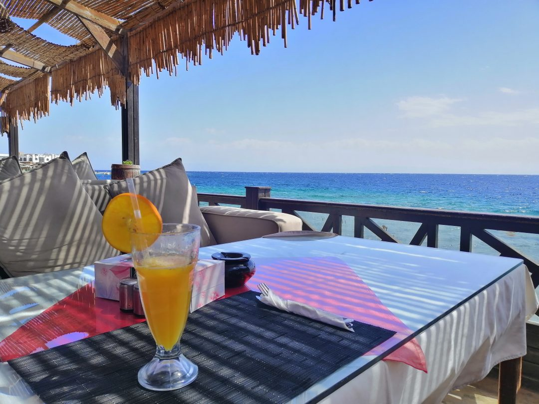 Dahab – restaurant with drink