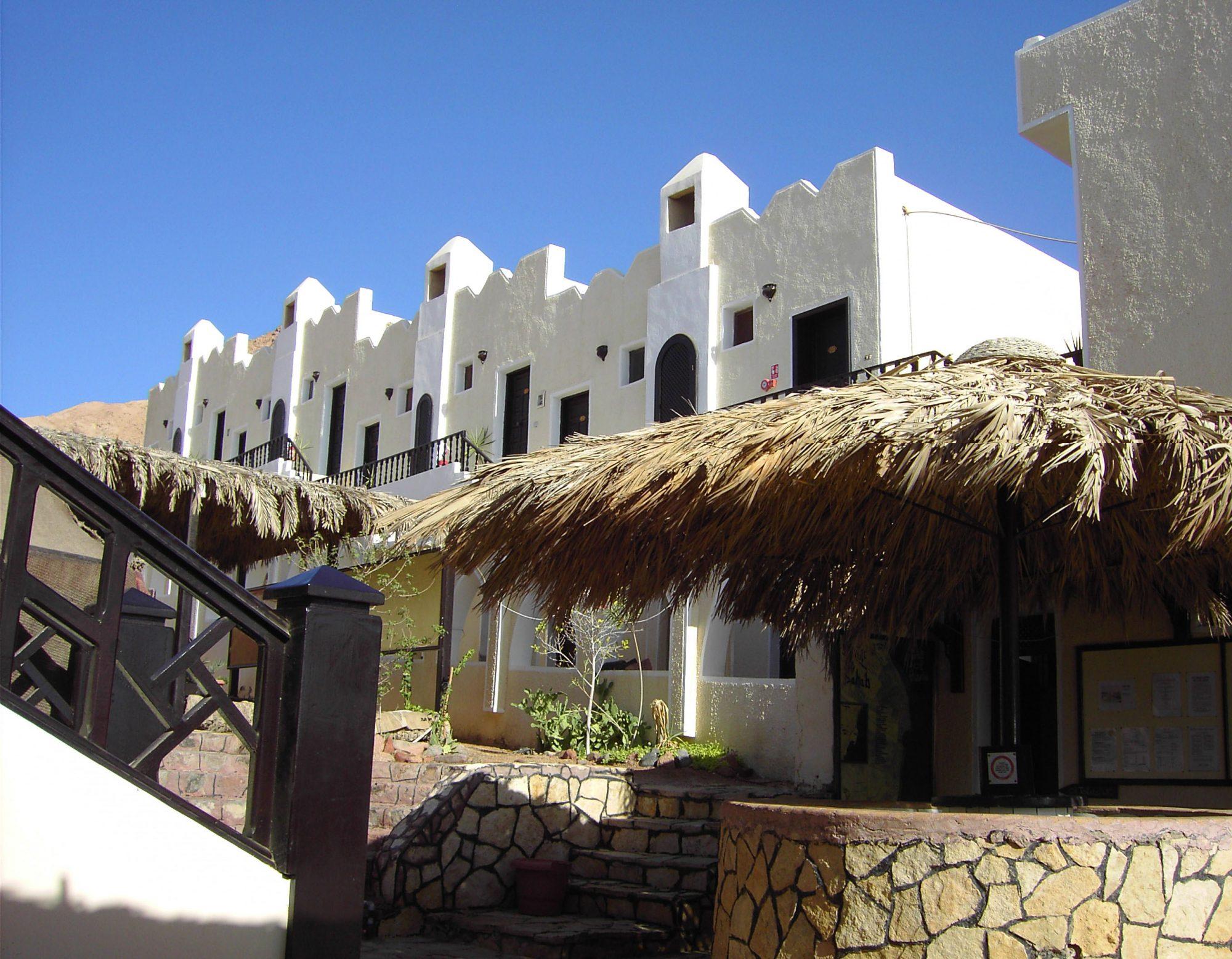 Reef 2000 & Bedouin Moon Hotel